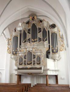 Jos van der Kooy geeft orgelconcert in de Oude kerk van Barneveld
