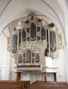 Reize Smits geeft orgelconcert in de Oude kerk van Barneveld