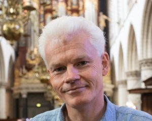 Peter Ouwerkerk ontvangt Henny Hogenbijl Prijs 2021